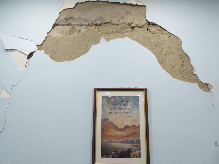 Çfarë mbetet pas tërmetit?